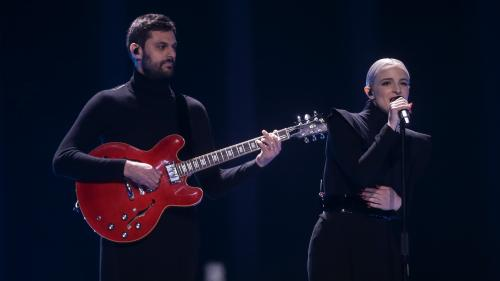 "REPLAY. Eurovision 2018 : la France ovationnée avec ""Mercy"", la chanson du duo Madame Monsieur"