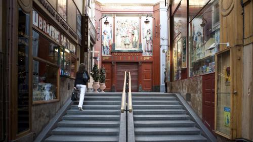 La statue de cire d'Emmanuel Macron va faire son entrée au musée Grévin et les internautes ne sont pas convaincus