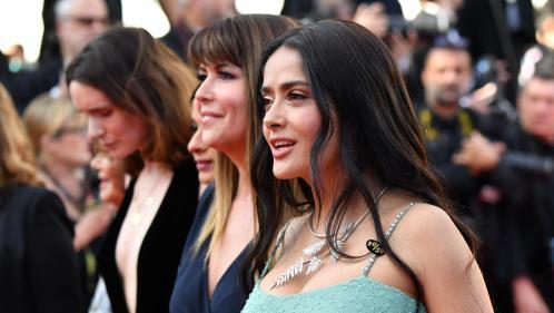 """Festival de Cannes : l'actrice Salma Hayek demande des sacrifices aux acteurs pour """"combler les écarts de salaires"""""""