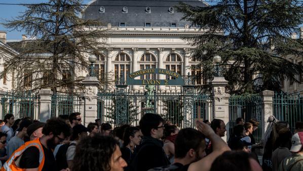 Face aux risques de blocages, les partiels de fin d'année annulés à l'université Lyon 2