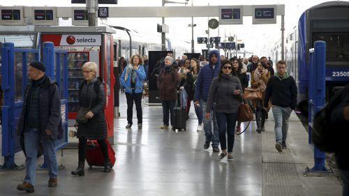 Grève SNCF à Marseille : les cheminots bloquent l'accès à la gare Saint-Charles