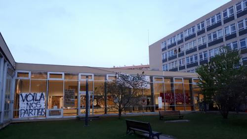 INFO FRANCE INTER. Blocage des facs : certaines universités ont décidé d'organiser 100% des examens à distance