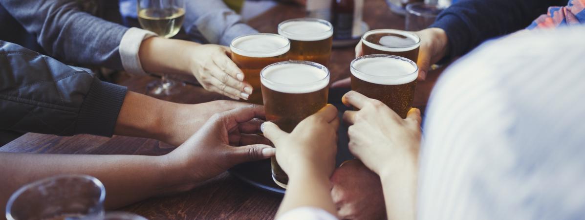 Aucune catégoriesocio-professionnelle n\'est à l\'abri face aux risques liés à une consommation excessive d\'alcool, selon une étude présentée le jeudi 17 mai.