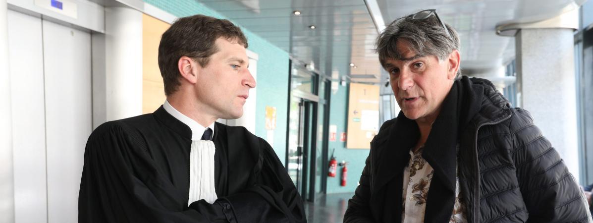 L\'animateur Texet son avocat aux prud\'hommes, à Paris, le 17 mai 2018.