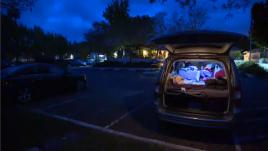 VIDEO. Etats-Unis : elle vit dans sa voiture, et pourtant elle travaille