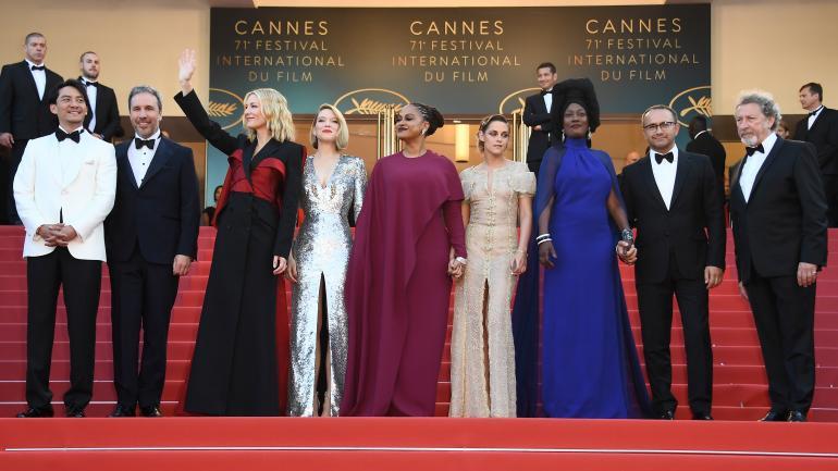 À Le Remet Jean Festival De Spéciale D'or Jury Palme Cannes Une PROpqznO