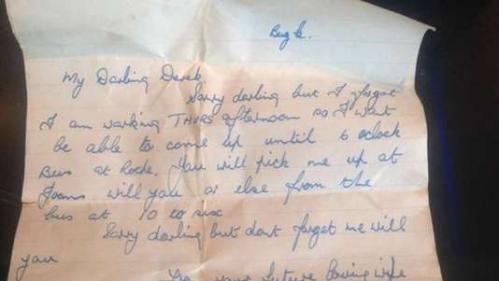 """""""Ta future femme aimante"""" : une lettre d'amour écrite dans les années 1950 retrouve (enfin) son destinataire"""