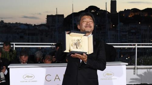 """L'étoile de Cannes (14/14) : """"Une Affaire de famille"""" du japonais Kore Eda remporte la palme d'or du 71e Festival de Cannes"""