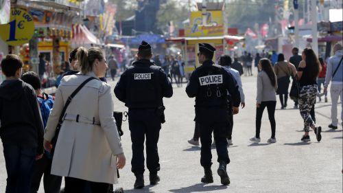 Paris : nouvel incident sur la Foire du Trône, un couple légèrement blessé