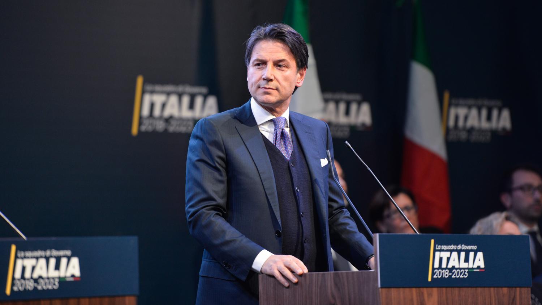 italie giuseppe conte a t choisi pour diriger le futur gouvernement anti europ en. Black Bedroom Furniture Sets. Home Design Ideas