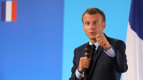 """VIDEO. Un plan banlieues écrit par """"deux mâles blancs"""", """"ça ne marche plus"""" : quand Macron tacle Borloo"""
