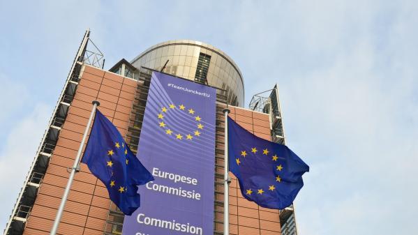 Micro européen. Rome, Bruxelles, les Italiens et les autres...