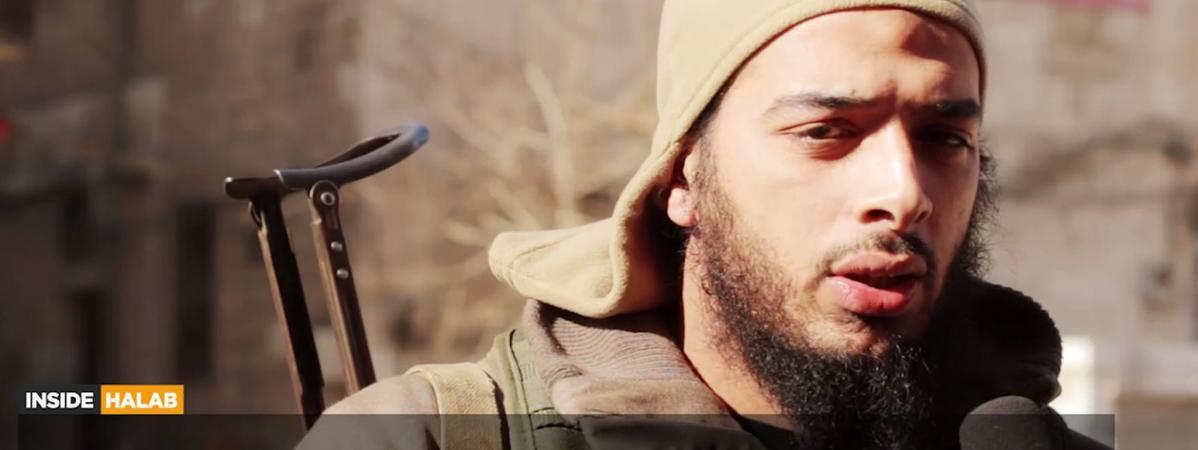 Capture d\'écran d\'une vidéo sur laquelle apparaît le jihadiste français Salim Benghalem, diffusée le 12 février 2015.