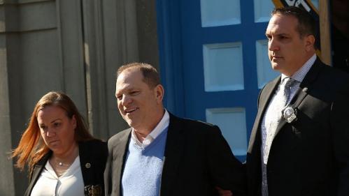 Sept mois après le début de l'affaire, Harvey Weinstein a été inculpé pour un viol et une agression sexuelle