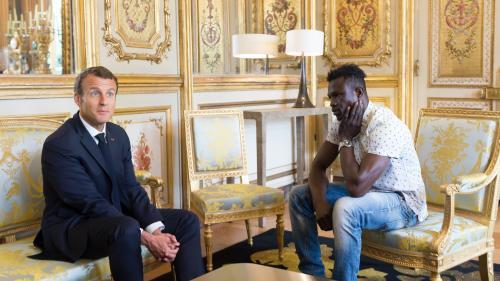 DIRECT. Mamadou Gassama va être naturalisé et intégrer les pompiers, annonce Emmanuel Macron