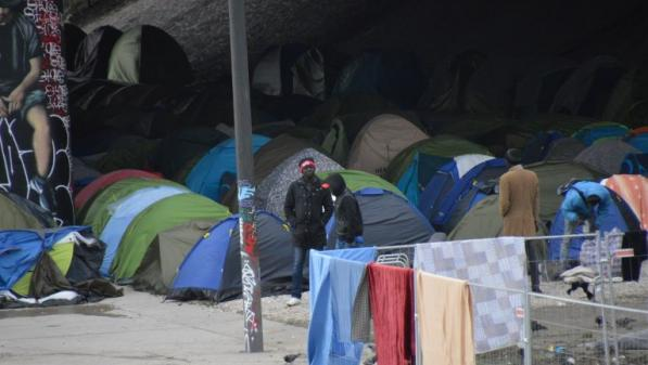 Migrants : un nouveau campement à Paris