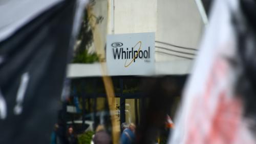 Un sèche-linge et merci : le dernier jour des salariés de Whirlpool à Amiens
