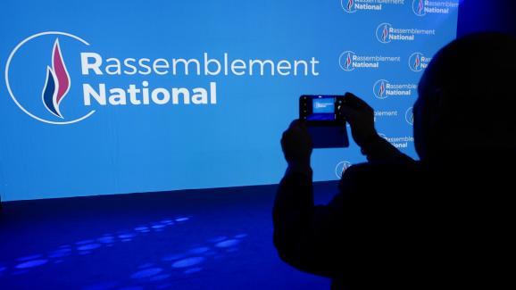 """Le nouvau logo du """"Rassemblement national"""" (le nouveau nom du Front naional)a été dévoilé, vendredi 1er juin."""