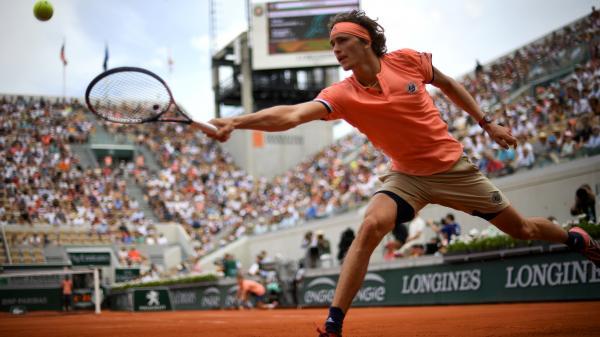 DIRECT. Roland-Garros/ Quarts de finale : l'avenir du tennis s'affronte sur le Central. Regardez le match entre Alexander Zverev et Dominic Thiem