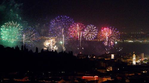 Nice : premier feu d'artifice depuis l'attentat Nouvel Ordre Mondial, Nouvel Ordre Mondial Actualit�, Nouvel Ordre Mondial illuminati