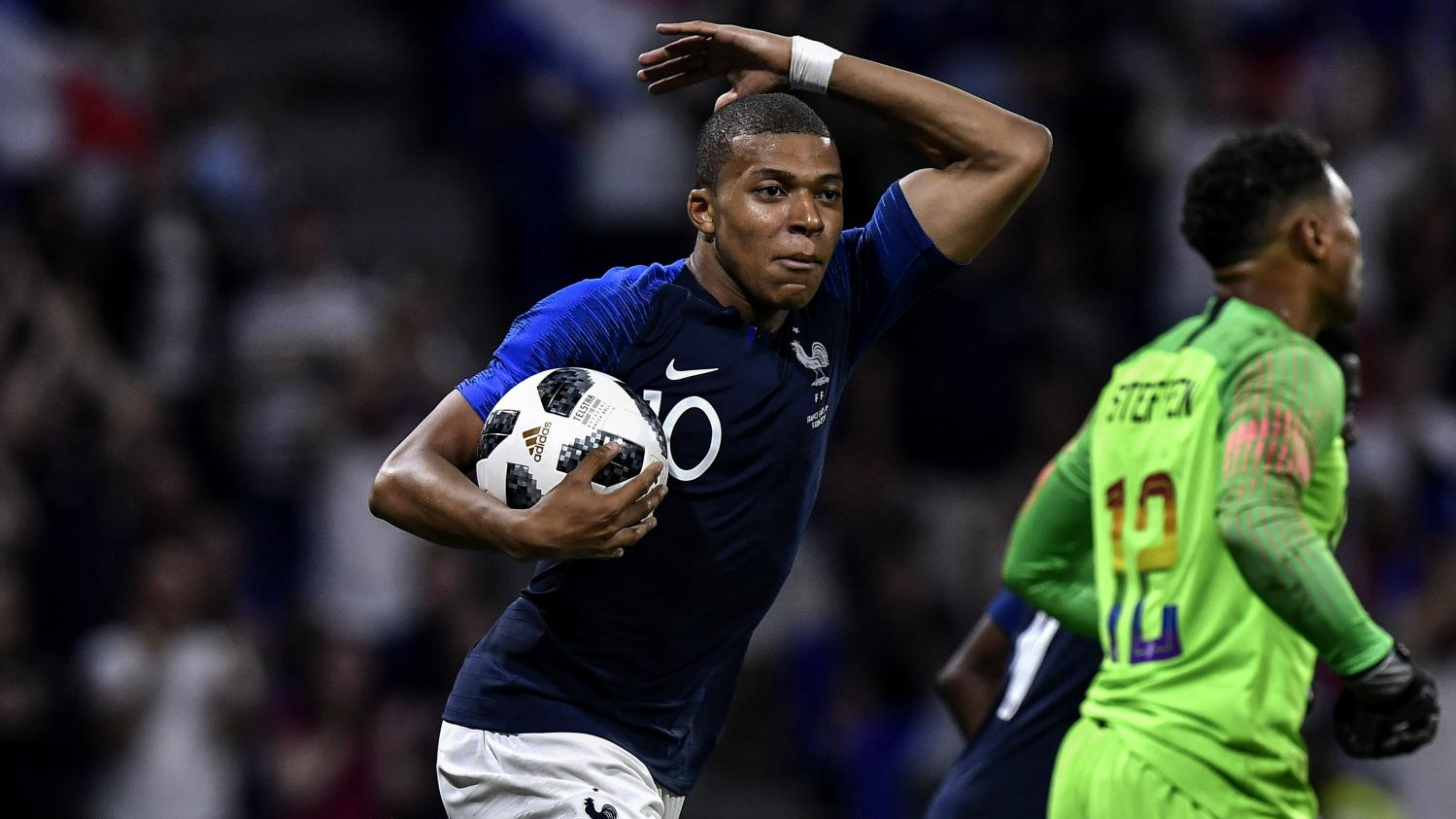 Foot la france arrache un match nul laborieux face aux etats unis 1 1 une semaine du mondial - Jeux de foot match coupe du monde ...