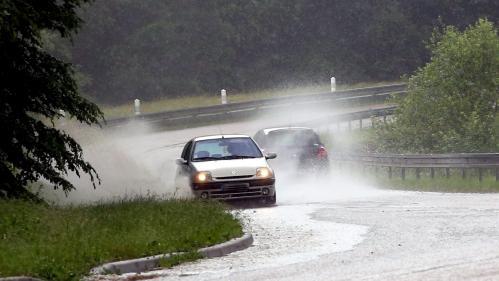 DIRECT. Intempéries : 18 départements en vigilance orange en raison des pluies, des inondations et des orages