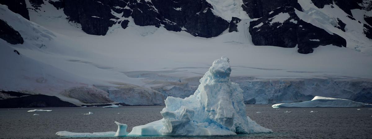 Un iceberg près des côtes de l\'Antarctique, le 15 février 2018.