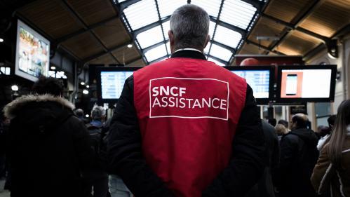 """DIRECT. Circulation des trains bloquée à Paris-Saint-Lazare: """"On ne sait pas quelle est l'origine de cette panne"""""""