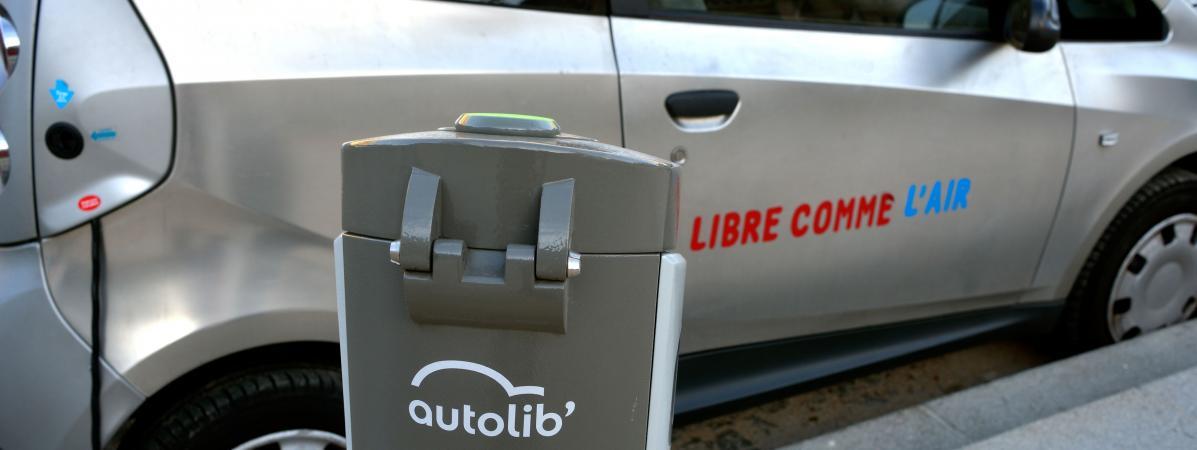 Une borne Autolib à Paris. Ceservice de voitures électriques en autopartage avait été lancé en 2011 sous Bertrand DelanoÃ«.