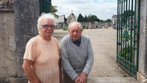 """""""Ça a touché tous les habitants"""" : l'émotion dans le village de Suèvres, trente ans après l'enterrement de la """"petite martyre de l'A10"""""""