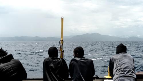 """Les migrants de """"l'Aquarius"""" qui souhaitent aller en France y seront accueillis, annonce le gouvernement espagnol"""