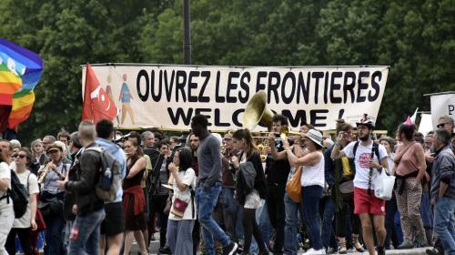 Plusieurs milliers de manifestants à Paris en soutien aux migrants