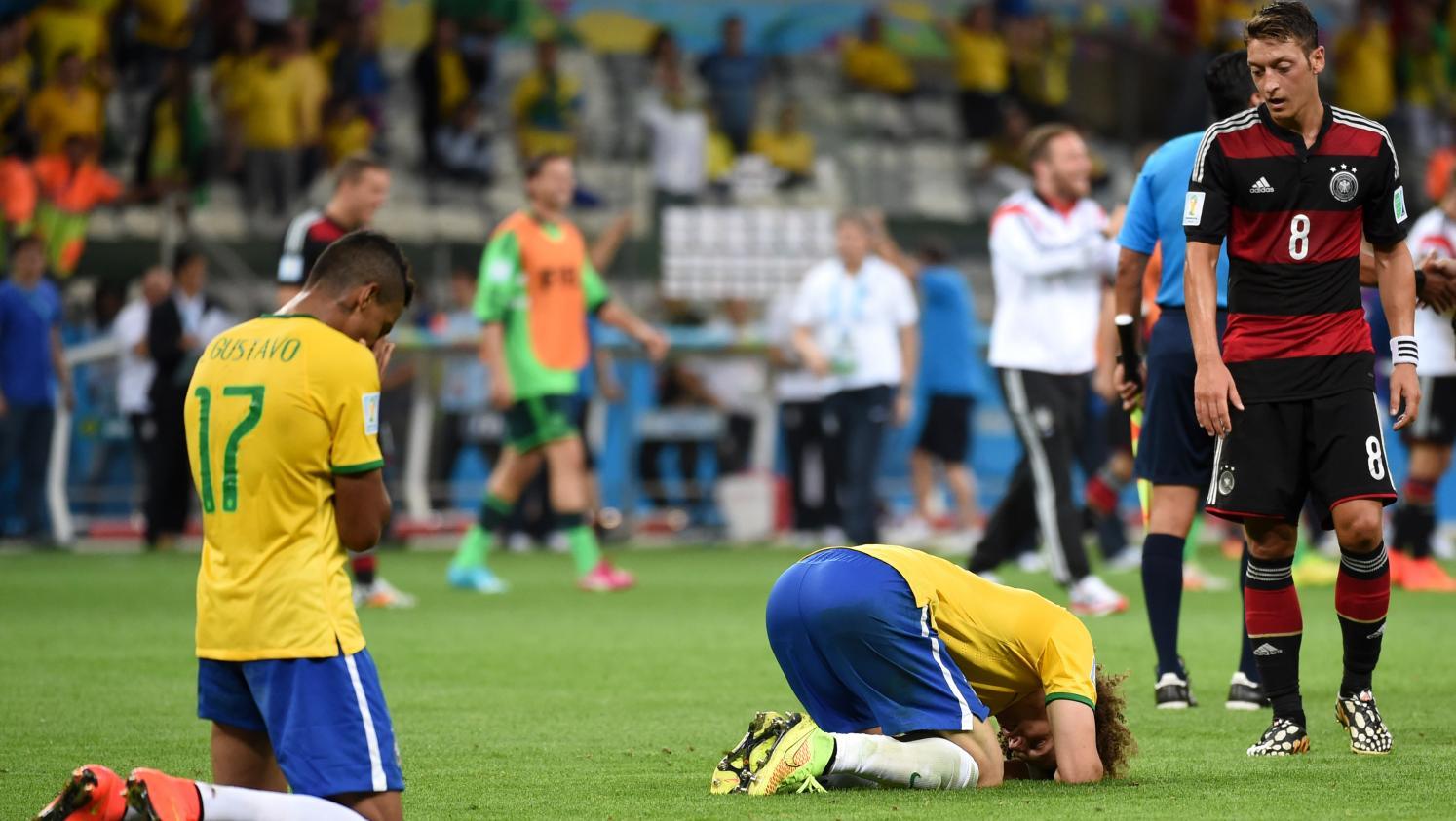 La m daille du jour les filets de la demi finale historique de la coupe du monde 2014 vendus - Coupe du monde historique ...
