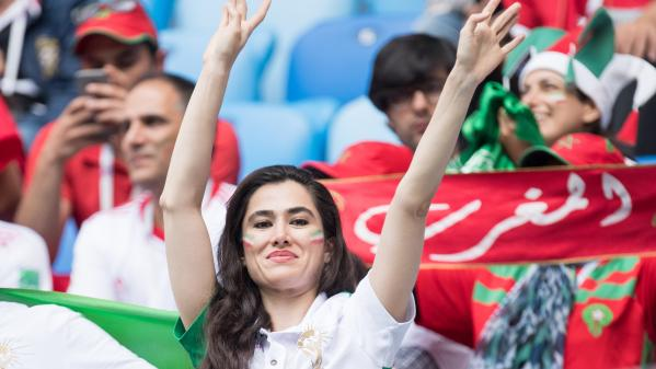 Le monde de Marie. En Russie, des Iraniennes fans de foot bravent l'interdiction de stade qui s'applique dans leur pays