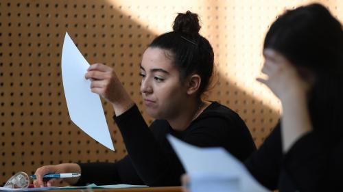 VIDEO. Baccalauréat : une fois ramassées, que deviennent les copies des candidats?