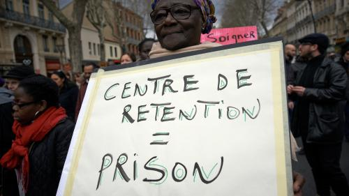 Des enfants en centres de rétention ? En France aussi, dénonce la Cimade, qui en a compté 117 depuis le début de l'année