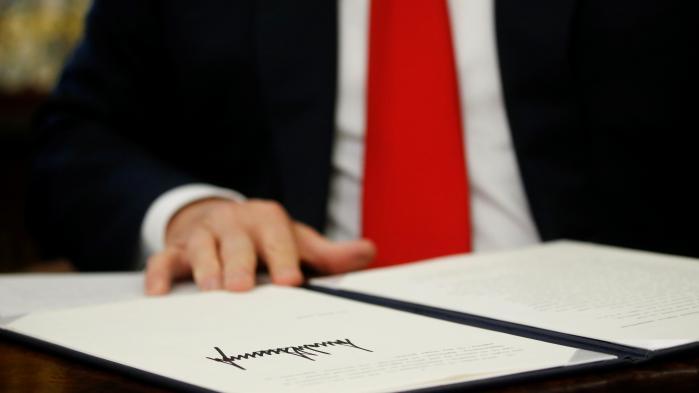 Ce que contient le décret de Donald Trump qui met fin à la séparation des familles de migrants à la frontière avec le Mexique