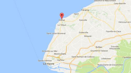 """Seine-Maritime : l'ex-maire d'Étretat mis en examen pour """"attouchements sexuels"""" sur une écolière"""