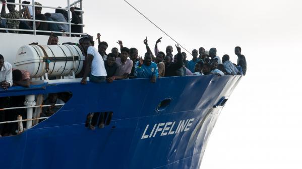 Migrants : des bateaux sans destination