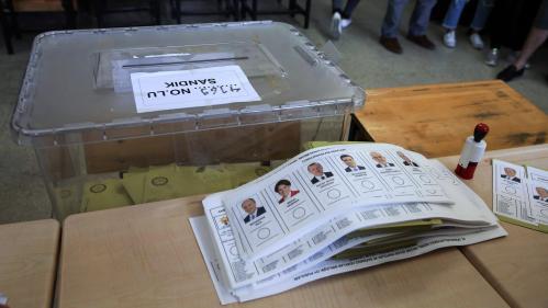 Ce que l'on sait de l'arrestation d'une délégation du PCF venue observer le déroulement des élections en Turquie