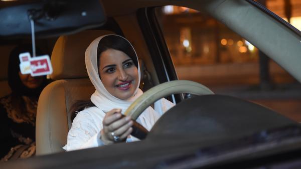 nouvel ordre mondial | Arabie saoudite : les femmes peuvent désormais prendre le volant après la levée de l'interdiction