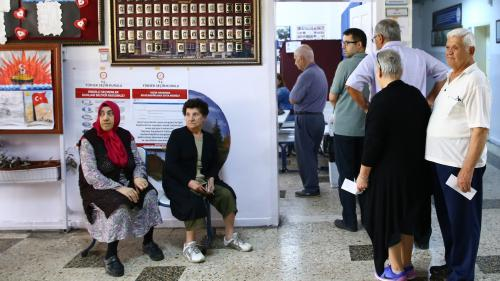 DIRECT. Turquie : une sénatrice française et des militants du PCF venus observer le déroulement des élections ont été interpellés