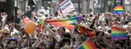 Lors de la Marche des fiertés, à Paris, le 30 juin 2013.