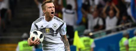 L\'Allemand Marco Reus fête son but face à la Suède, le 23 juin 2018, à Sotchi (Russie).