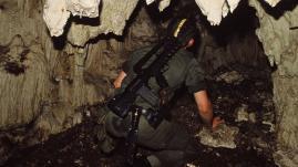 """RECIT. """"Ça tirait dans tous les sens"""" : il y a 30 ans, l'armée donnait l'assaut pour libérer les otages de la grotte d'Ouvéa, en Nouvelle-Calédonie"""