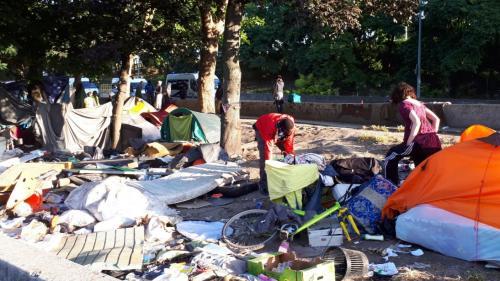 Paris : opération de police en cours porte de la Chapelle pour évacuer un campement sauvage