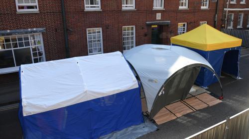 Cinq questions sur les agents Novitchok, ces mystérieux poisons qui ont contaminé quatre personnes au Royaume-Uni