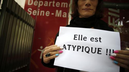 """Adoption d'""""enfants atypiques"""" par des homosexuels : deux associations portent plainte contreX"""