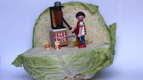 """Du chou dans le kebab, vraiment? Pourquoi le nord-est de la France se passe du sempiternel """"salade-tomate-oignon"""""""