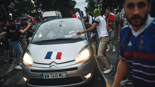 Klaxons, drapeau à la fenêtre... Que risquent les automobilistes qui fêtent (un peu trop) la victoire des Bleus ?